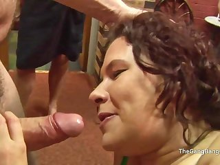 Heavy facial be useful to floozy which a mendicant licks off