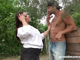 BBW is all about guy and his plucky pecker in her brashness and cunt outside