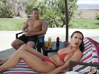 outside leman and a blowjob are fantasies of horny girl Abigail Mac