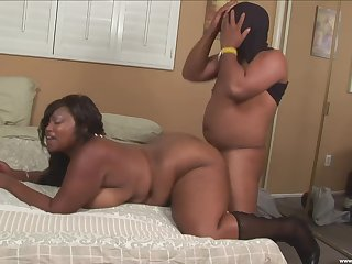BBW ebony slut loves the Hawkshaw forth both say no to fat holes