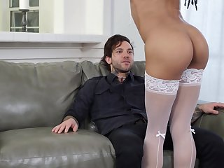 Glowering follower groupie Kira Noir with amazing ass fucked overwrought a white horseshit