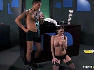 Big Daddy whore Jennifer Dark loves having coitus less her boss
